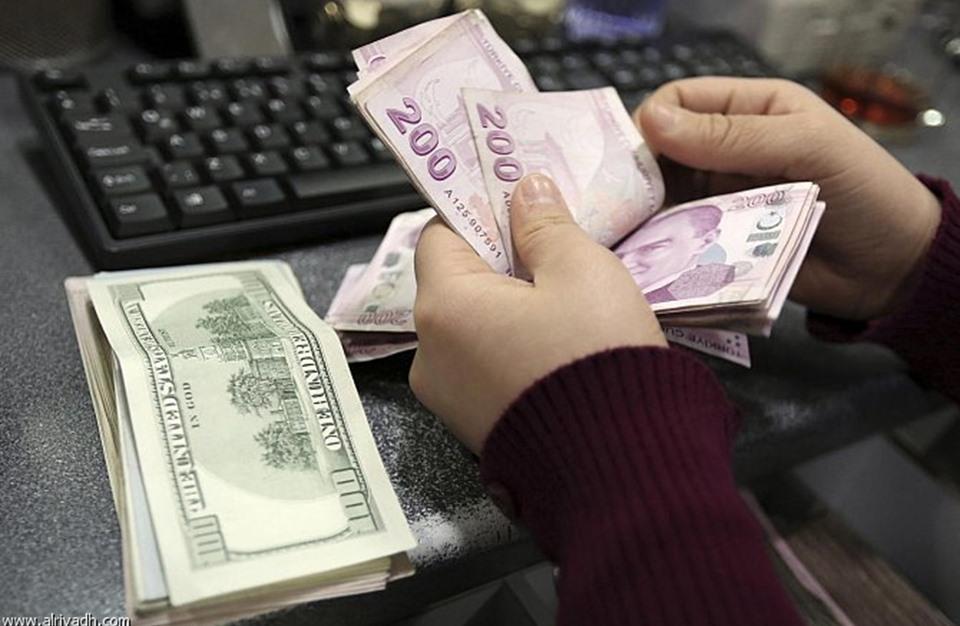 أزمة الليرة السورية | تتجدّد مطالبات باستعادة الدولارات