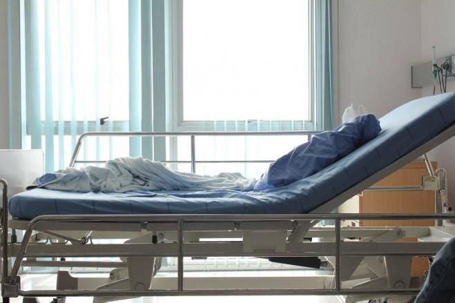 مستشفيات لبنان تدق ناقوس الخطر | المخزون لا يكفي إلا لشهر واحد