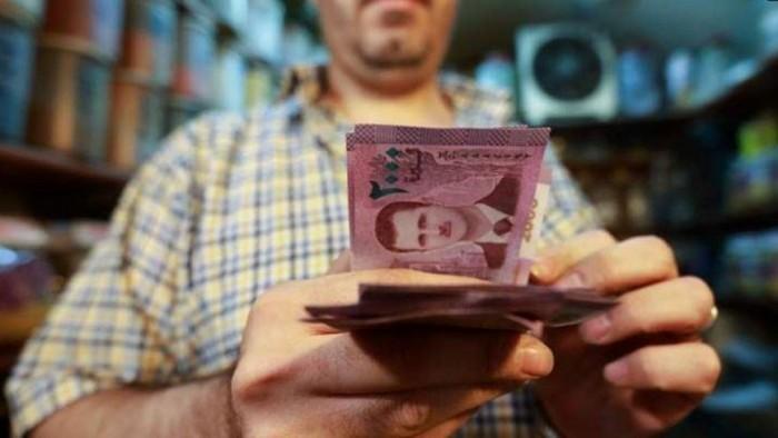 أزمة لبنان تنعكس على اقتصاد سوريا والليرة السورية تخسر 30% من قيمتها خلال اسابيع