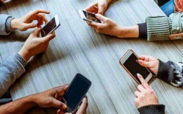 قطاع الهواتف الخلويّة في لبنان يعاني... وخسائر كبيرة للتجّار