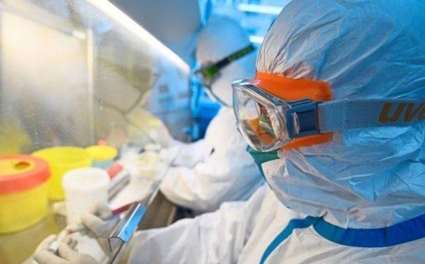 بعد تراجع كبير بالاصابات فيها، الصين تتفرغ للرد على الاتهامات الاميركية حول مصدر فيروس كورونا | الكونغرس الاميركي اعترف بتسجيل وفيات كورونا على أنها انفلونزا وأخطاء جسيمة في معدات الفحص تعزز الشكوك الصينية